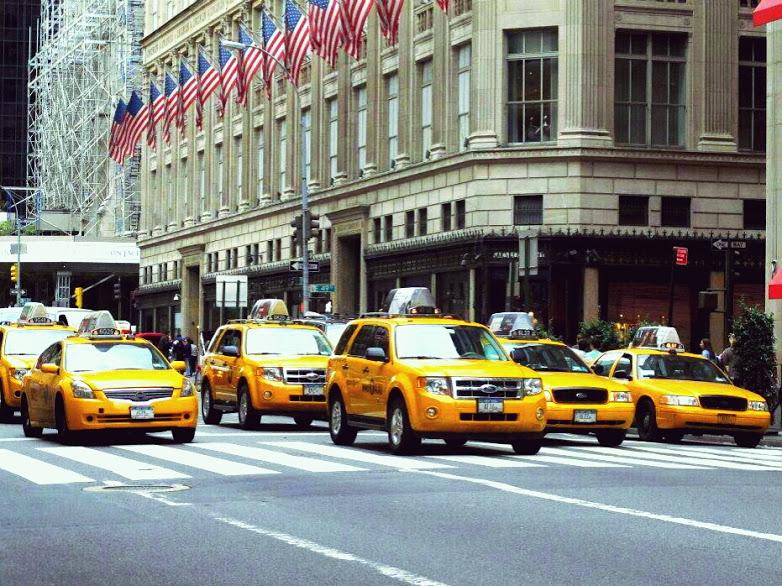une lignée de taxi à New York