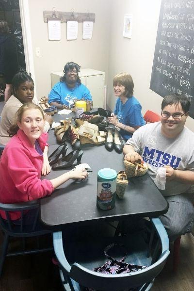 Volunteer Program at Amelias Closet