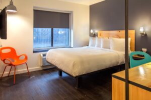BKLYN House Hotel Queen guest room