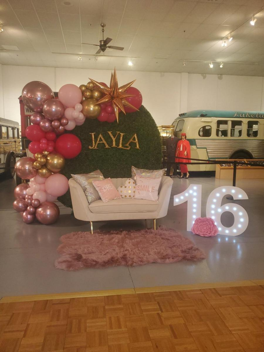 Leveled-Up-Lux-Rentals_Quince14