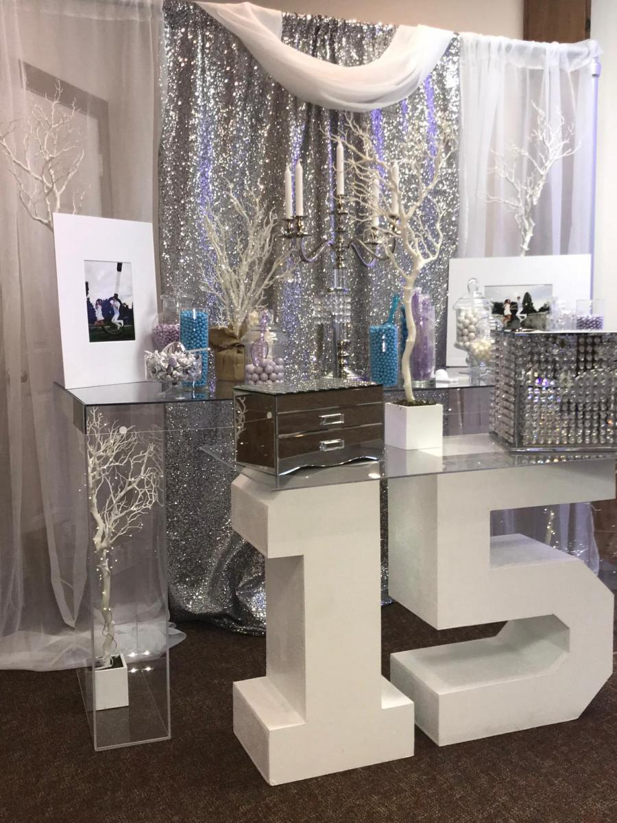 Leveled-Up-Lux-Rentals_Quince30