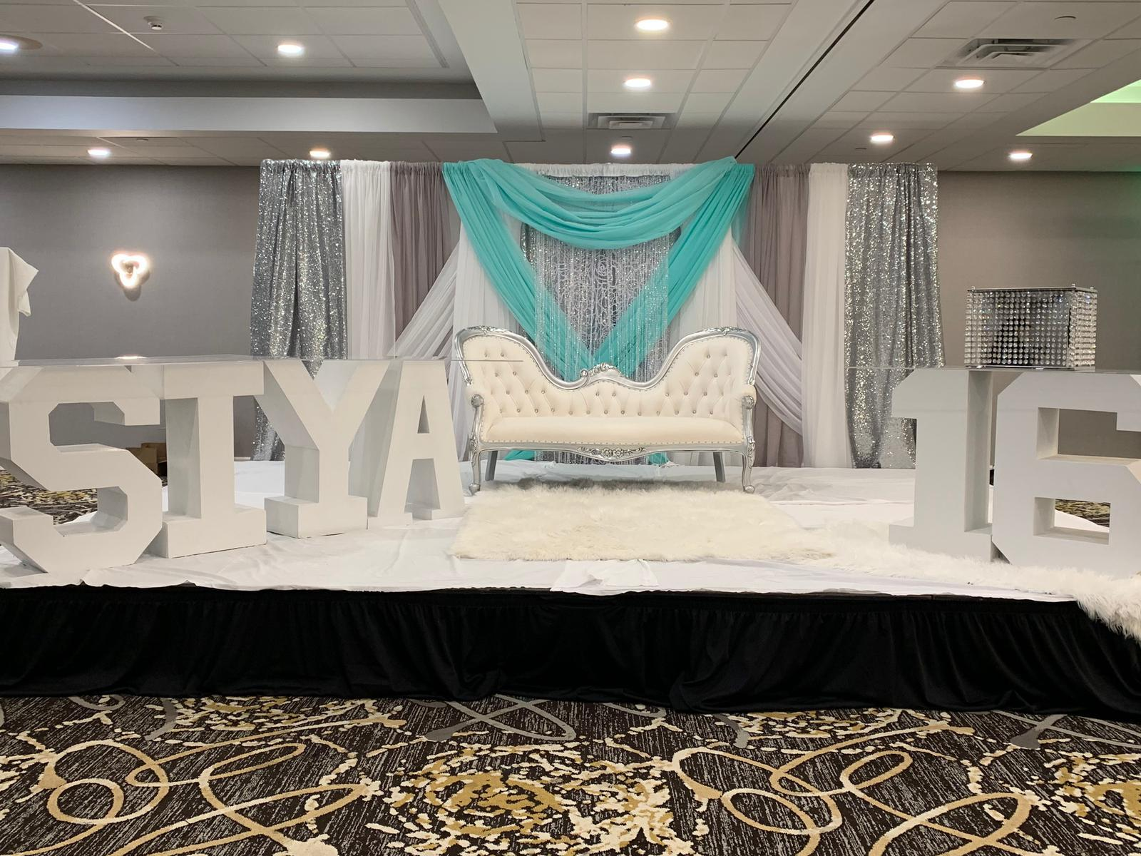 Leveled-Up-Lux-Rentals_Quince36