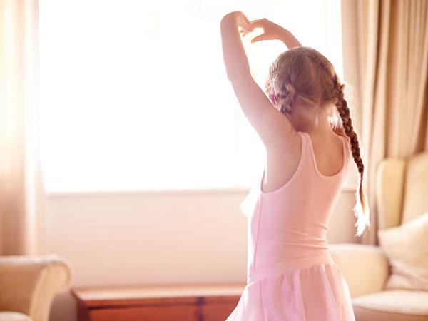 value-gs-6162-girl-dancing