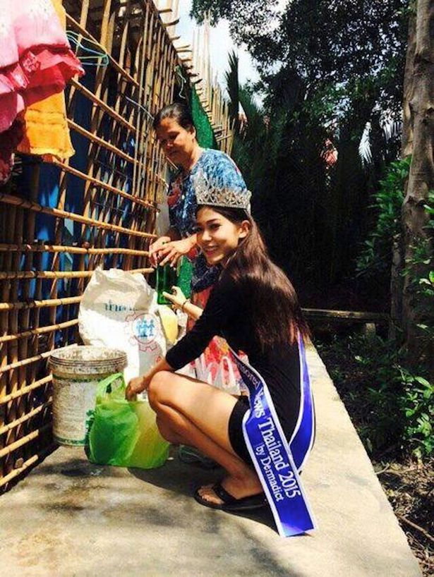"""Miss Thailand 2015, Khanittha """"Mint"""" Phasaeng"""