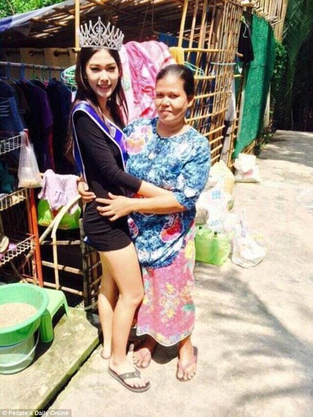 """Miss Thailand 2015, Khanittha """"Mint"""" Phasaeng 3"""