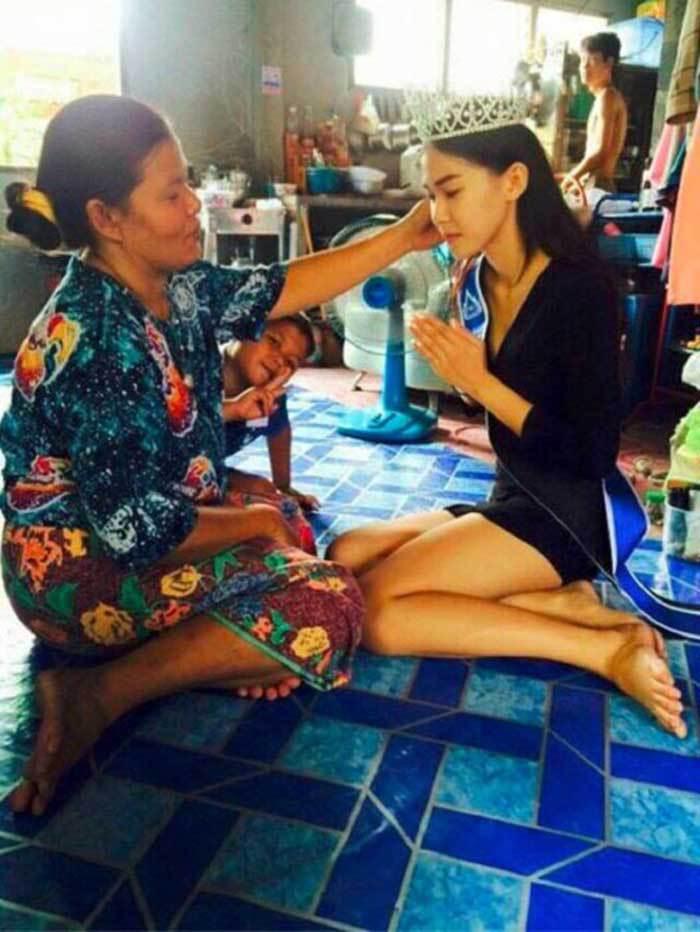 """Miss Thailand 2015, Khanittha """"Mint"""" Phasaeng 7"""