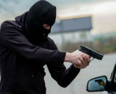 10 Things Motorists Should Not Do To Avoid Hijackings In South Africa