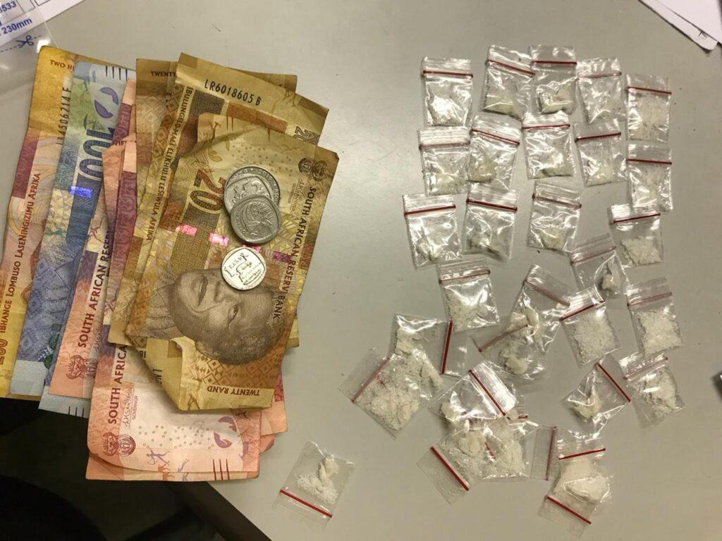Husband and wife arrested for drug dealing