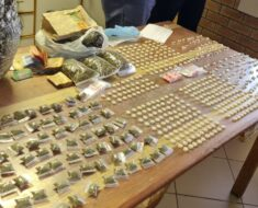 Police arrested two males for dealing in drugs - Northern Cape