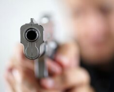 Armed suspects held a 34-year-old man and his family at gunpoint in Slivertown - Western Cape