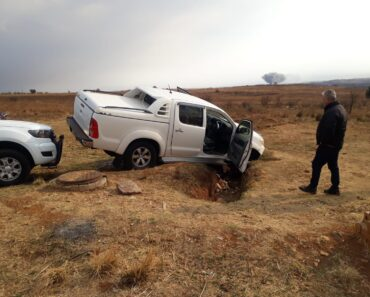 Two suspects nabbed for possession of hijacked vehicle and unlicensed firearm - Gauteng