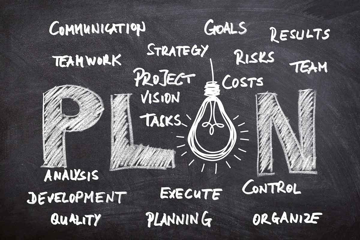 business-idea-chalboard-image