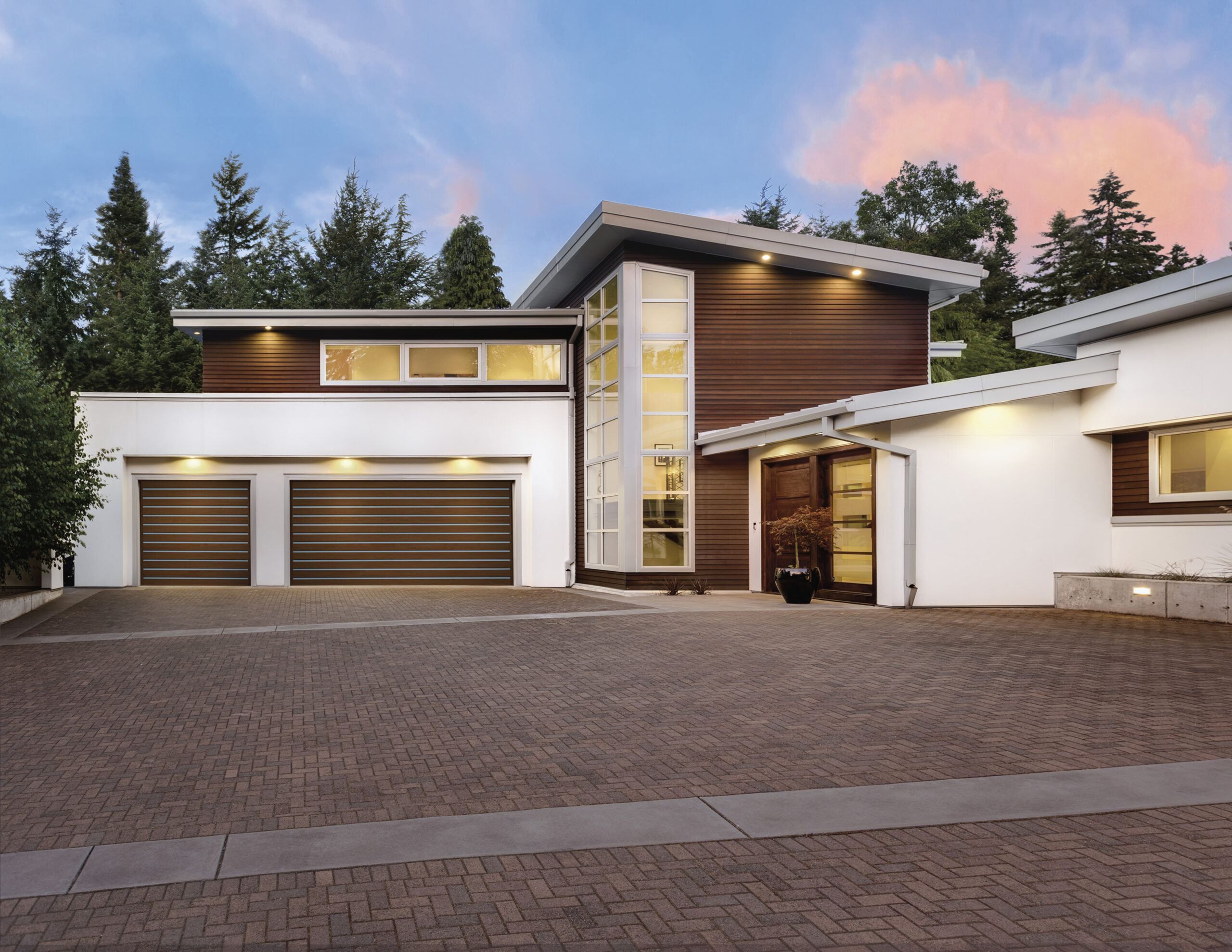 Clopay – CANYON RIDGE® MODERN