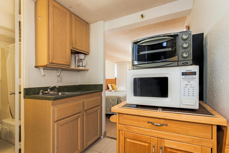 Island Colony 43rd Floor-large-005-4-01-1499x1000-72dpi