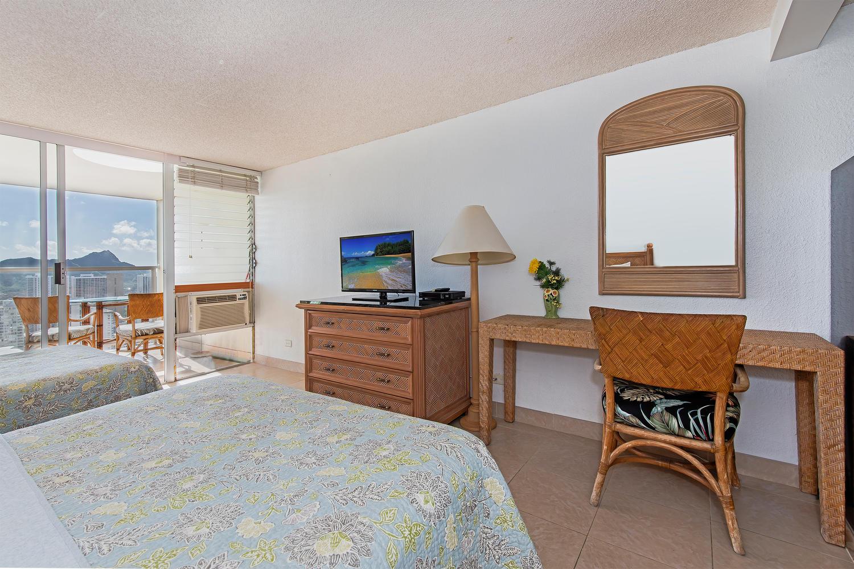Island Colony 43rd Floor-large-009-6-05-1500x1000-72dpi