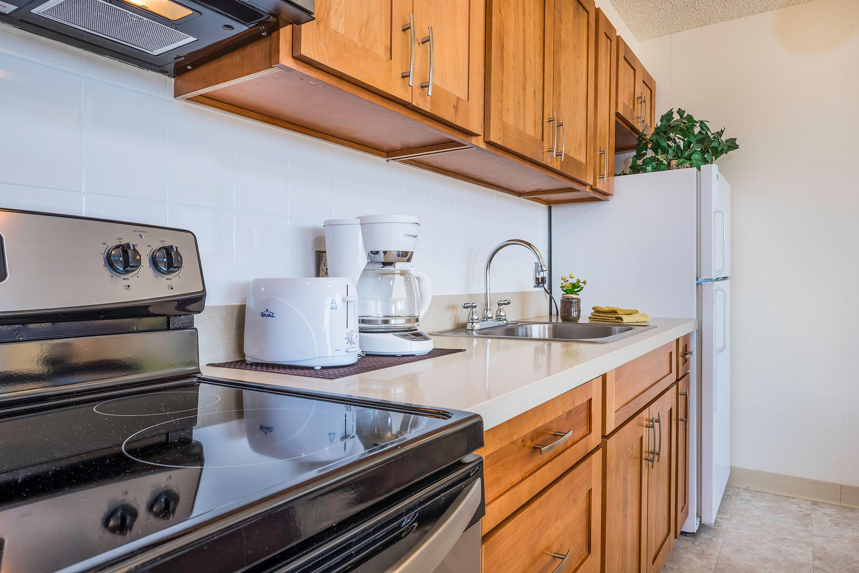 201 Ohua Ave Unit 3411-large-006-Kitchen 2-1498x1000-72dpi