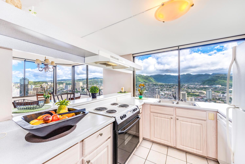 Penthouse104 Waikiki Hawaiian-large-005-Kitchen-1499x1000-72dpi
