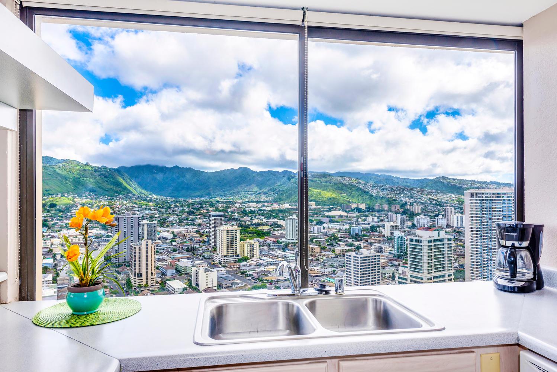 Penthouse104 Waikiki Hawaiian-large-006-Kitchen Sink-1499x1000-72dpi