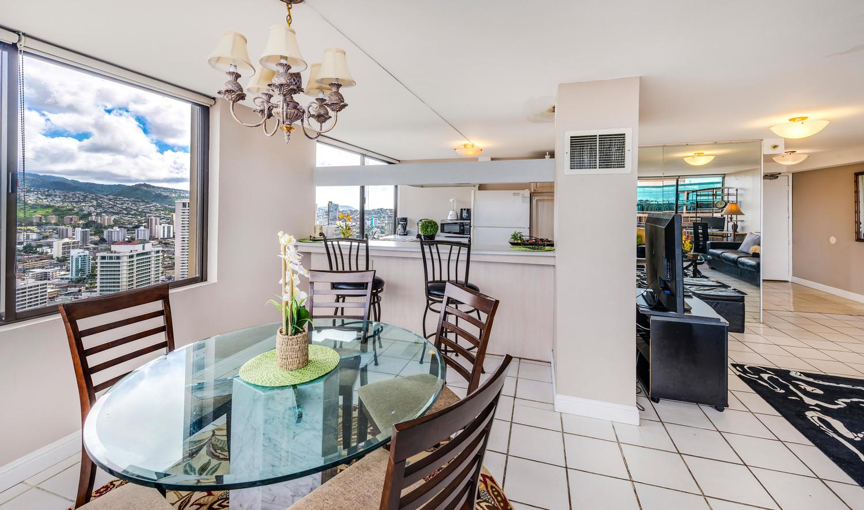 Penthouse104 Waikiki Hawaiian-large-009-Dining to Kitchen-1500x885-72dpi