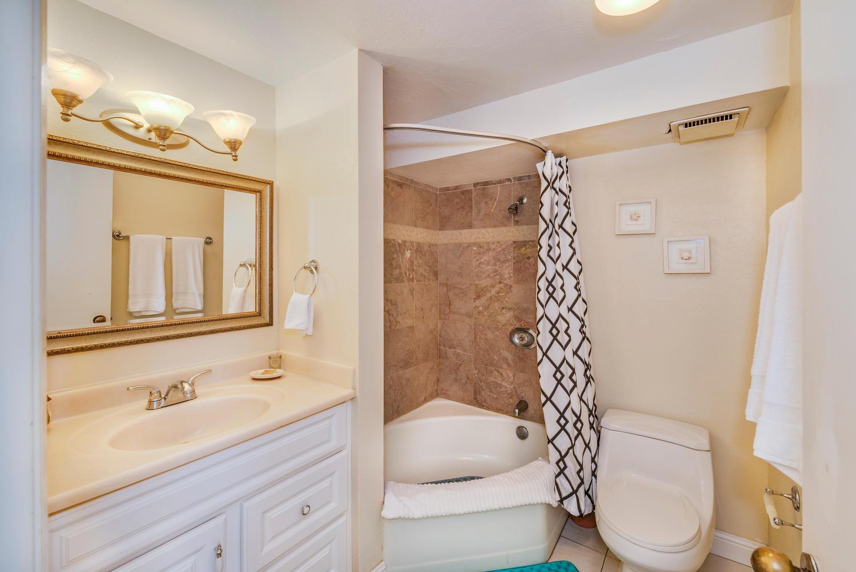 Penthouse104 Waikiki Hawaiian-large-018-Bed2 Bath2-1499x1000-72dpi