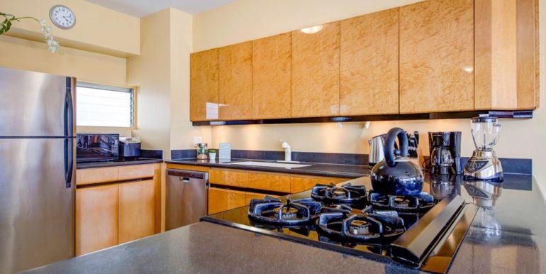 th_2161 Kalia Rd Unit 1116-large-011-5-Kitchen1 copy-1500x999-72dpi