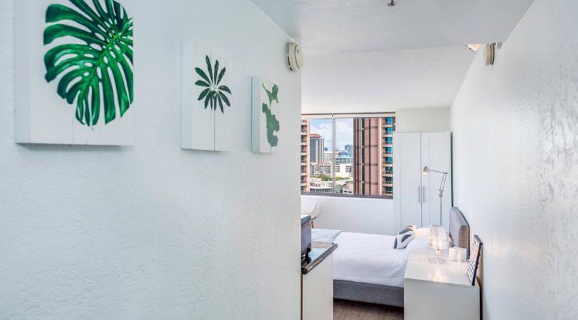 Hawaiian Monarch 2403 room