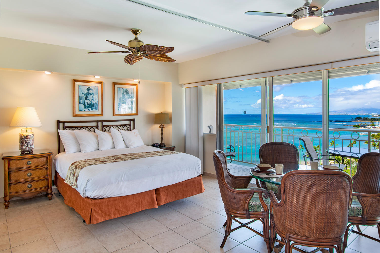 Waikiki Shore – 13th Floor (1Bed)