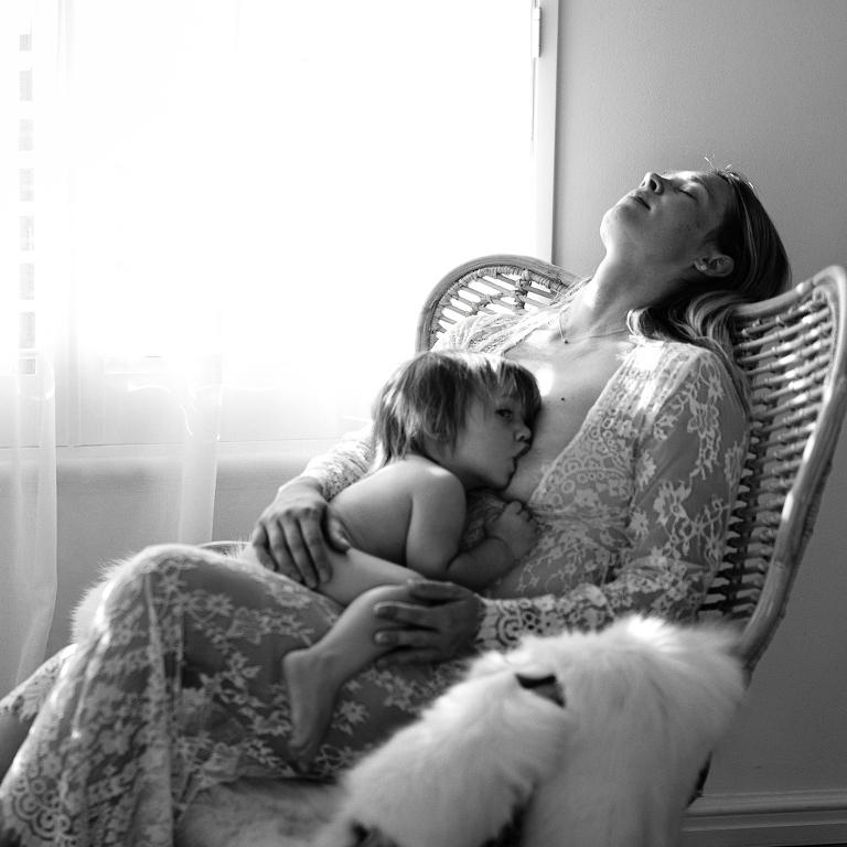 Perth Breastfeeding Photographer