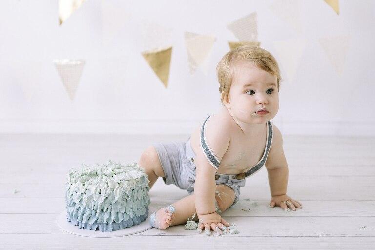 Menora Cake Smash Photographer