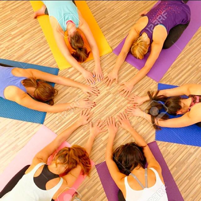 Yoga a 360 gradi ! Dal 19 al 25 settembre vieni a scoprire un mondo di yoga