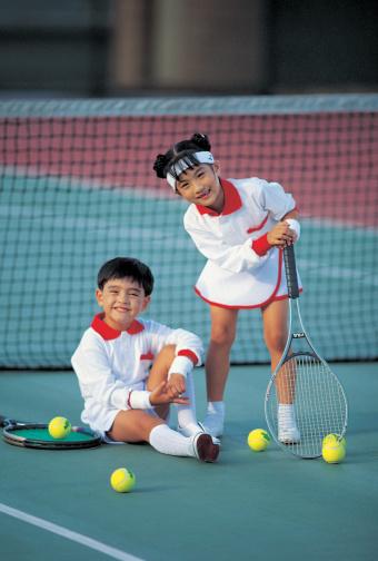 Children at the tennis court