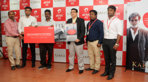 Mr. Paranthaman, CEO, V Creations, Producer of Kabali (3rd from L) along with Mr. George Mathen, HUB CEO, KTN Circle, Airtel (4th from L)