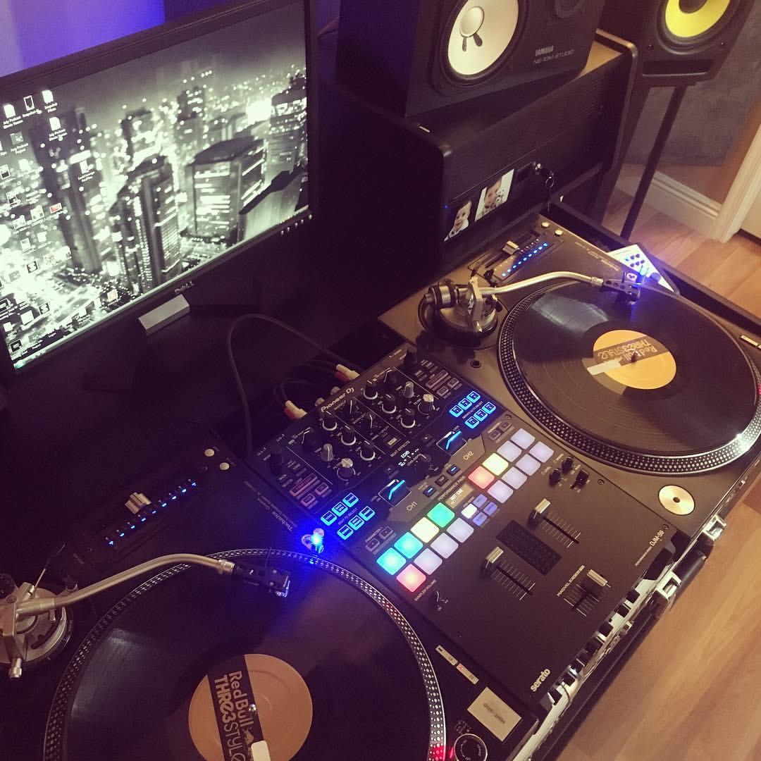 DJ Scene Pioneer DJM-S9 Mixer
