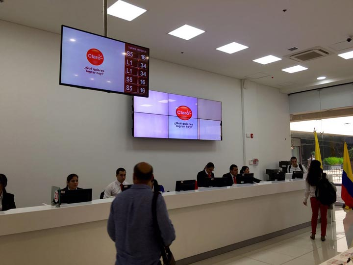 Digital Displays with Queuing System