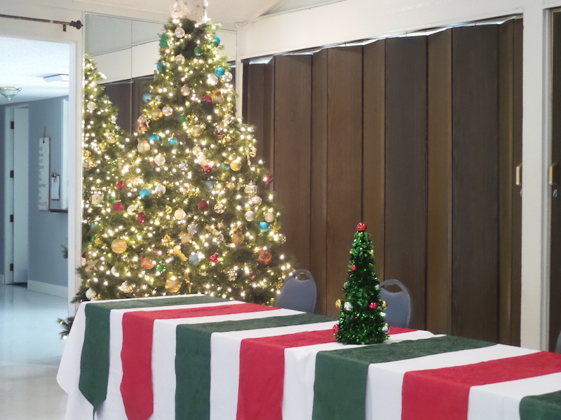 Clubhouse (Christmas Tree)