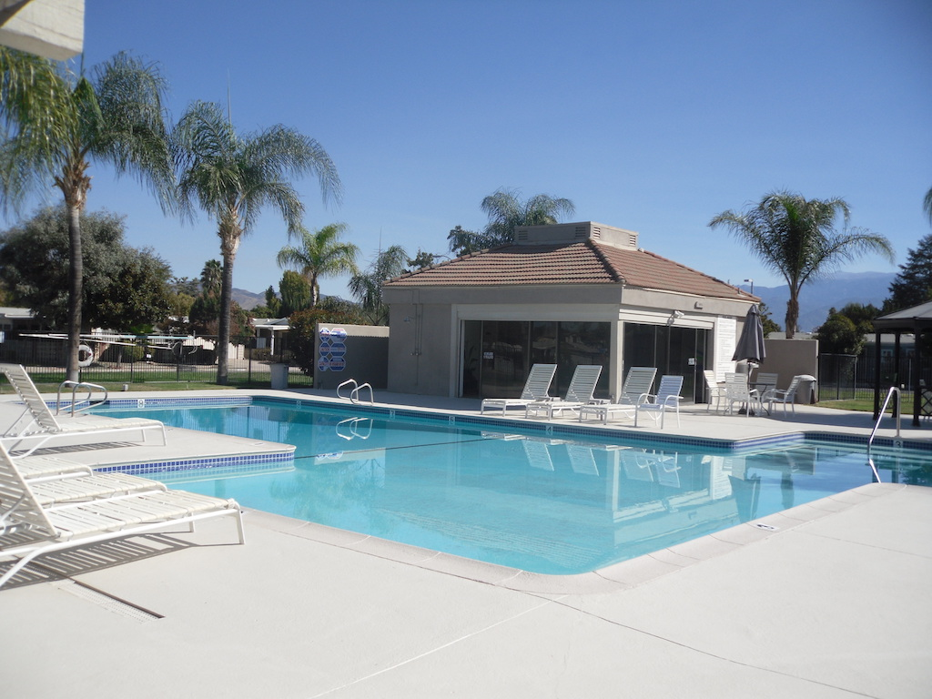 Swimming Pool (compressed)