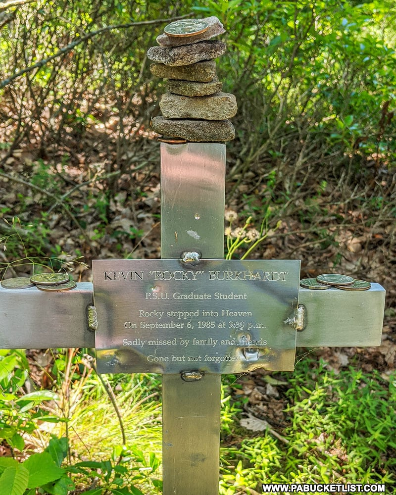 Memorial at Indian Lookout.