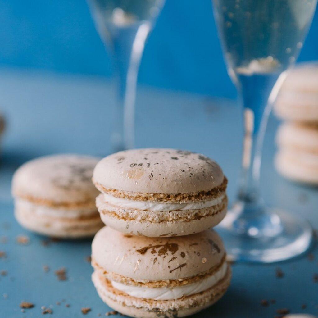 Champagne French macaron