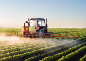 Os efeitos dos defensivos agrícolas  na microbiota do solo
