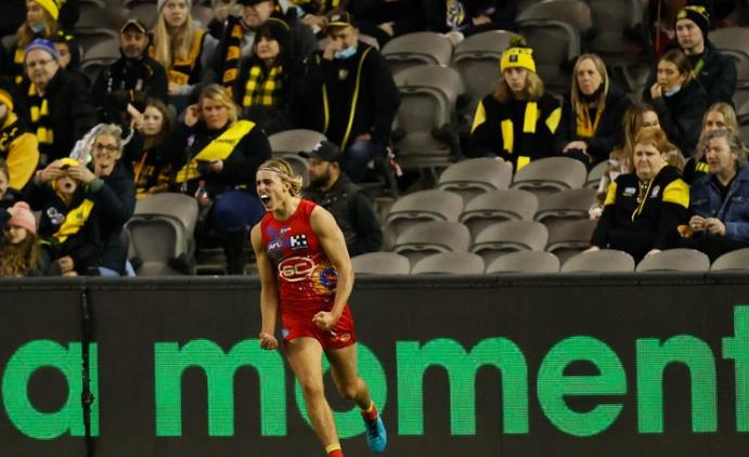 Gold Coast Suns set a marker against reigning premiers