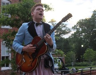 REVIEW: Scrappy Shakespeare's 'Twelfth Night' is a Delightful Outdoor Shakespearean Immersion