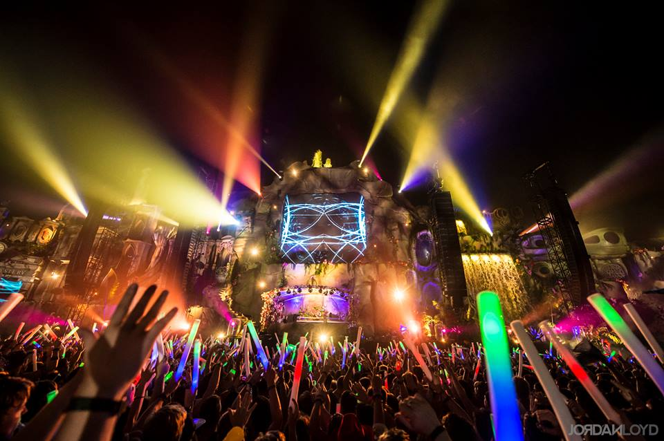 Relive the madness: TomorrowLand 2013 after movie