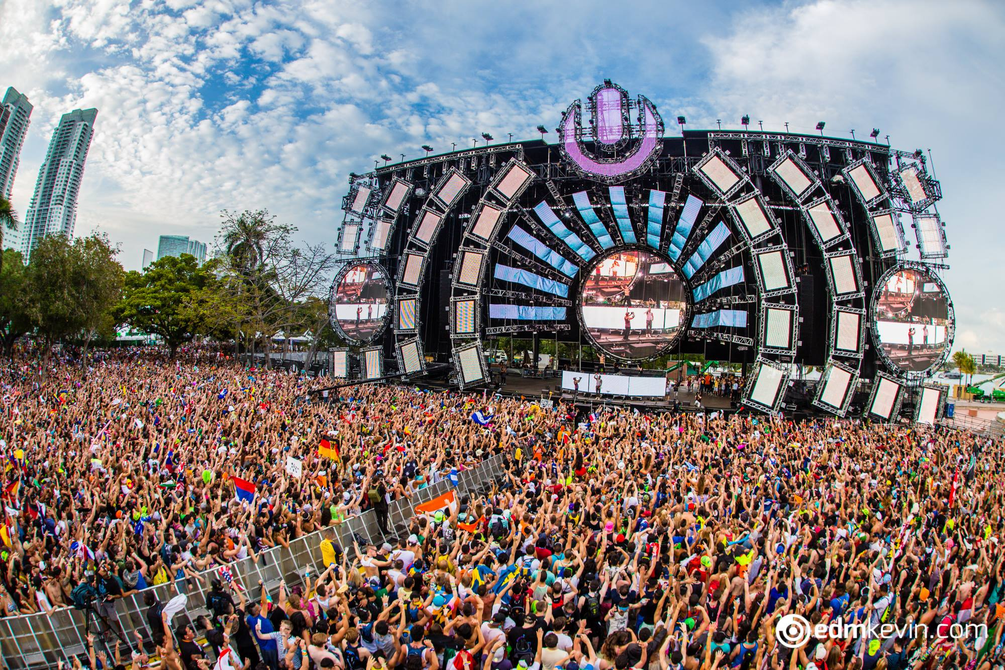 Ultra Music Festival Attendee Dies After Night 2; Cause Of Death Unknown.