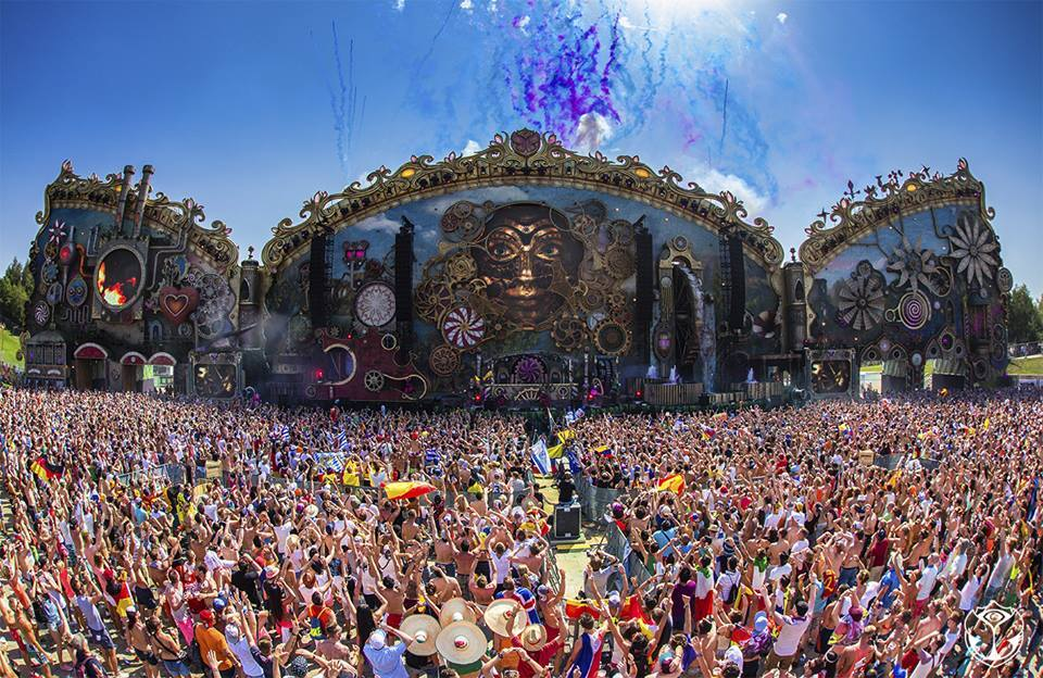 Watch The 10th Anniversary of Tomorrowland Live Stream!