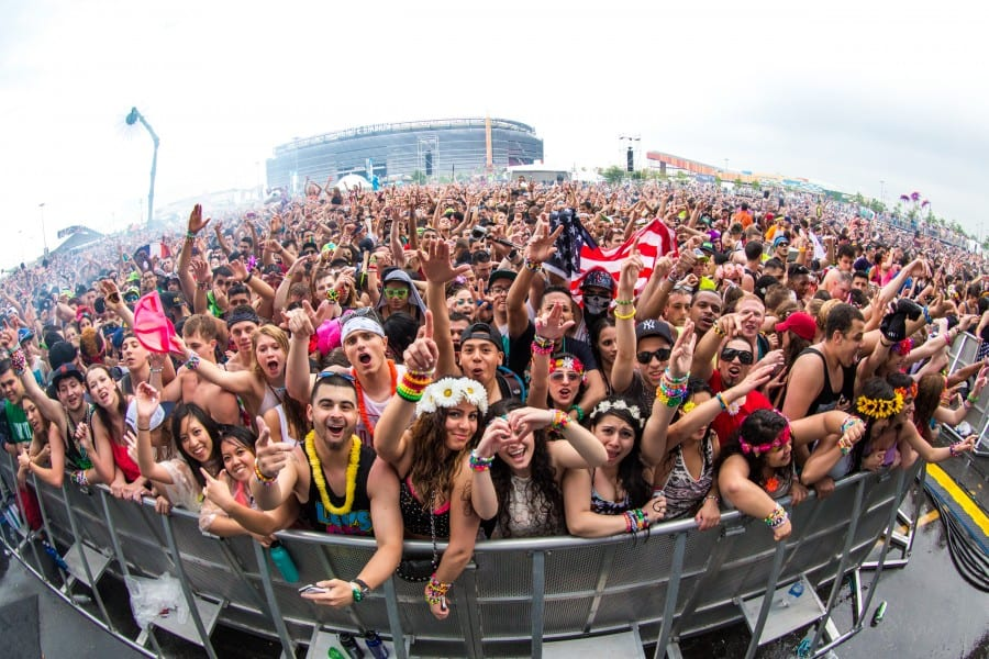 Insomniac Presents $15,000 of Charitable Donations from 3rd Annual EDC New York To Boys & Girls Club