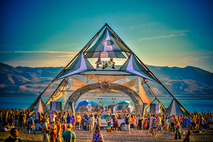 Swim Between Stages At This Spiritual Festival in California