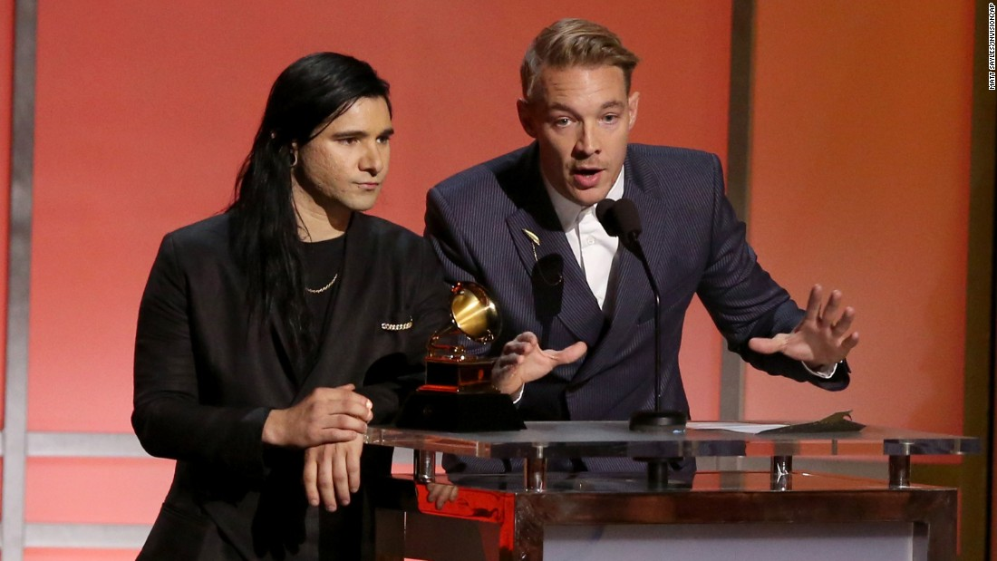 Skrillex & Diplo Sweep Grammys With Jack Ü Wins, Perform With Justin Bieber