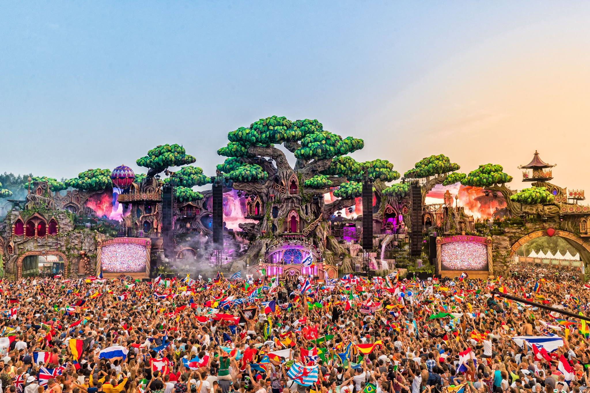 Tomorrowland Announces Full 2017 Lineup Featuring Over 1,000 DJs