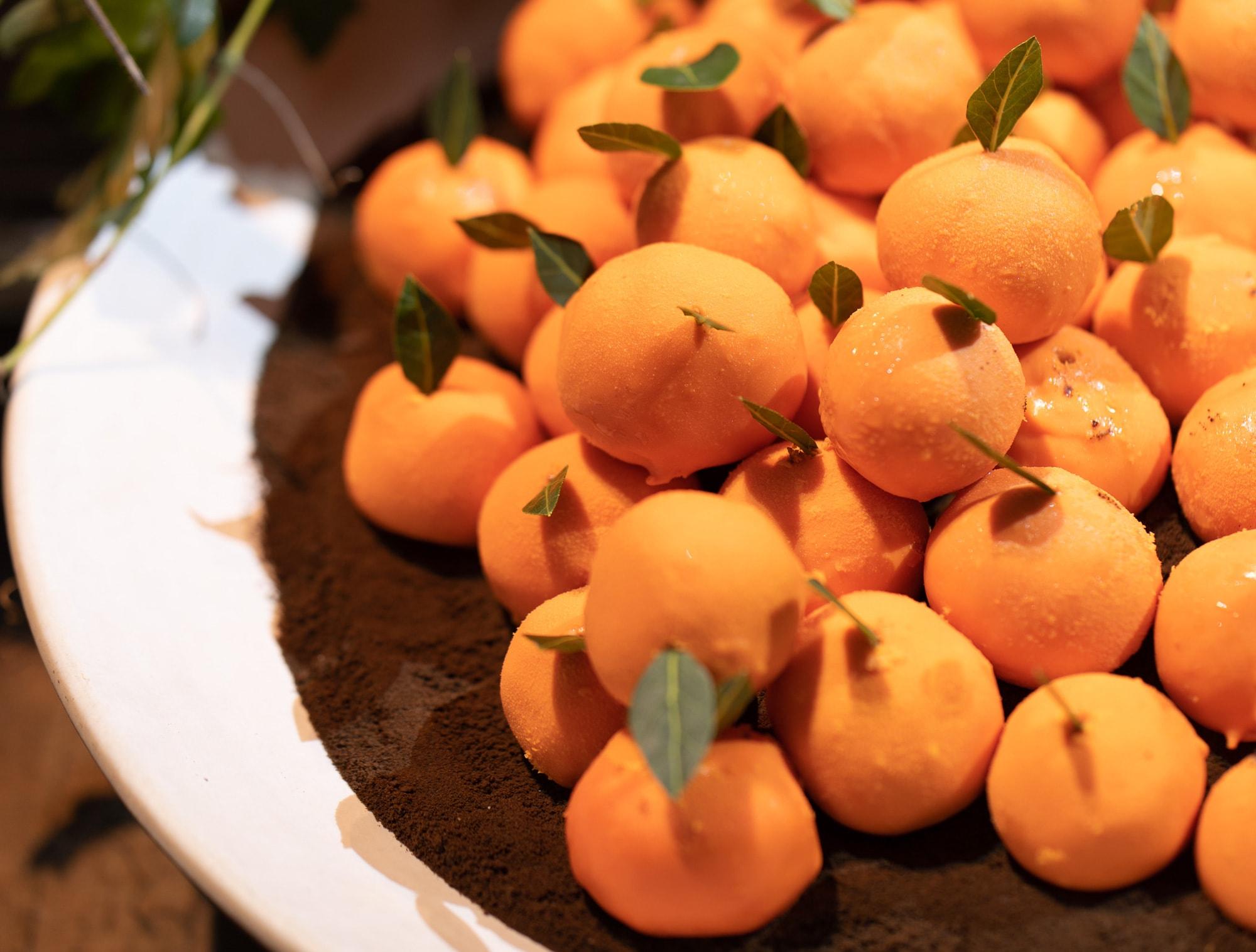 Mousse de laranja  com chocolate amargo e crumble de chocolate