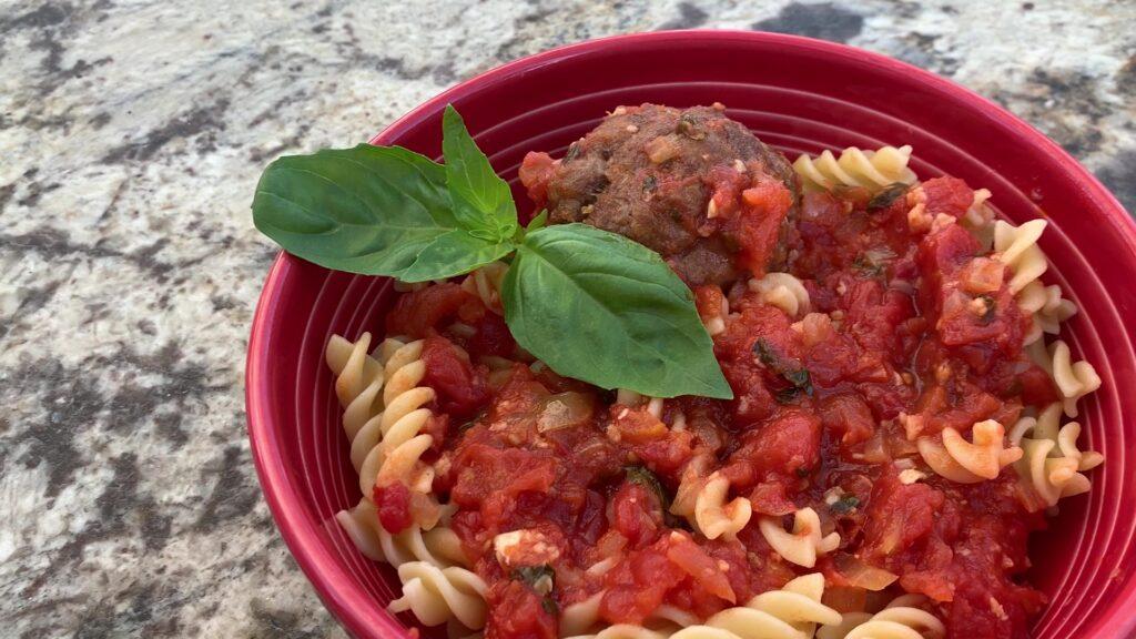 Meatballs marinara with pasta